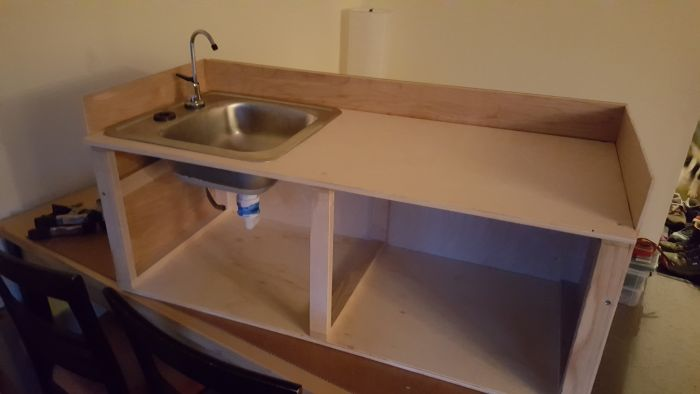 Guy Builds Camp Kitchen For His Girlfriend (19 pics)