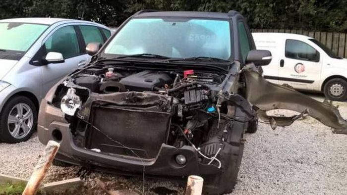 The Most Expensive Car Accident Of This Man's Entire Life (11 pics)