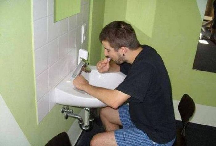 Lazy People Who Have Perfected The Art Of Laziness (50 pics)