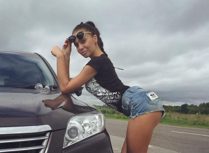 Girls In Shorts Are The Best Thing About Summer (30 pics)