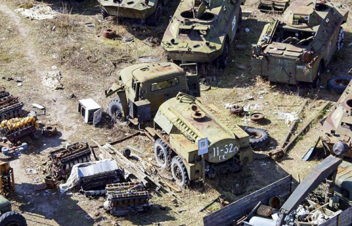 Contaminated Equipment In Chernobyl (14 pics)