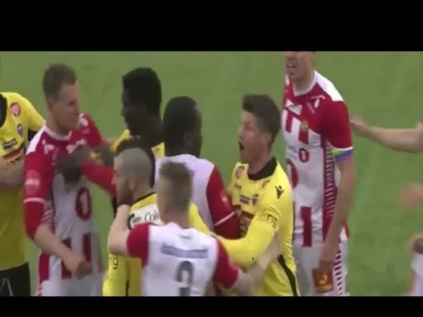 Pau Morer Hilarious Foul In Norwegian League