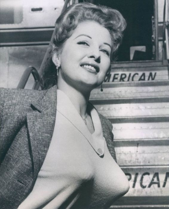 Bullet Bras Were A Big Deal Back In The Day (20 pics)