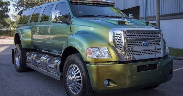 This Ford Super Truck Is Extreme (9 pics)