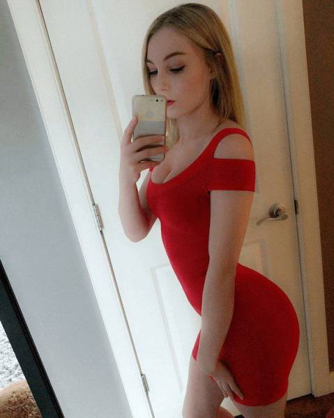 Tight Dresses Give The Best Hugs (44 pics)
