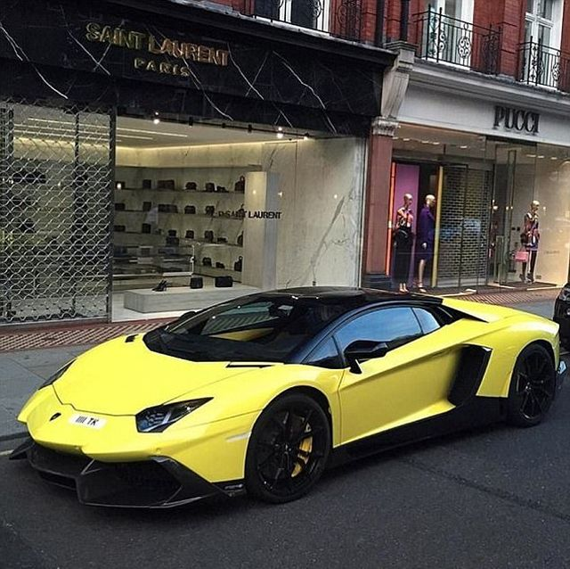 Rich Kids Of London Really Know How To Party (20 pics)