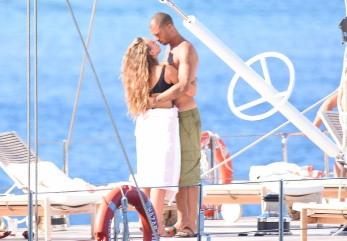 Mugshot Guy Jeremy Meeks Spotted With Topshop Heiress Chloe Green (6 pics)
