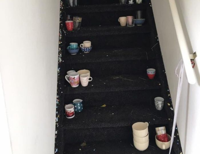 Married Couple Returns Home To A Complete Disaster (7 pics)