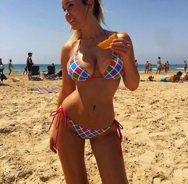 Beautiful Summer Loving Girls In Bikinis (46 pics)