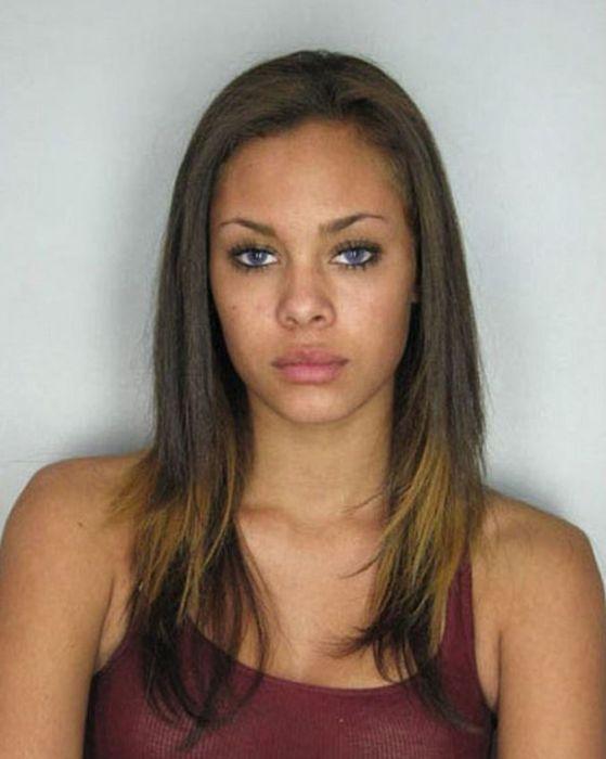Bad Babes With Smoking Hot Mugshots (16 pics)