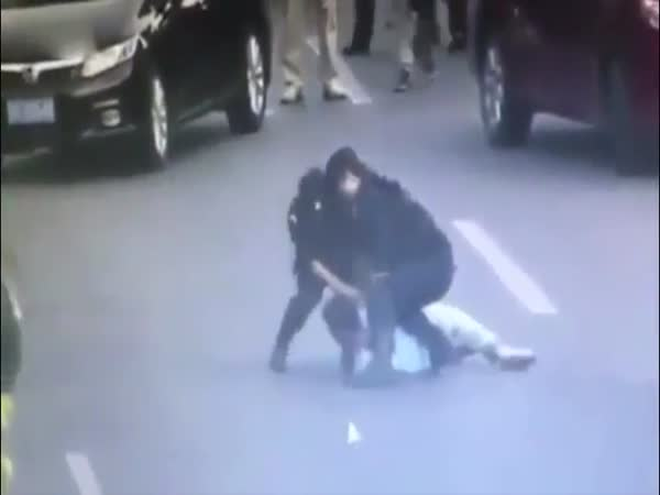 6 Foot Tall Female Chinese Cop Makes Quick Work Of Man With Knife