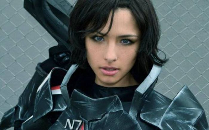 Mass Effect Cosplays Don't Get Sexier Than This (19 pics)