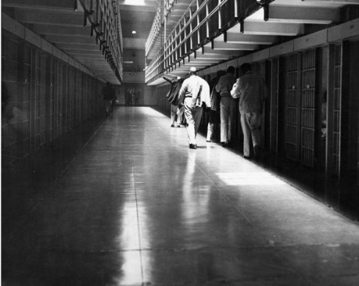 Vintage Photos From Inside Alcatraz (19 pics)