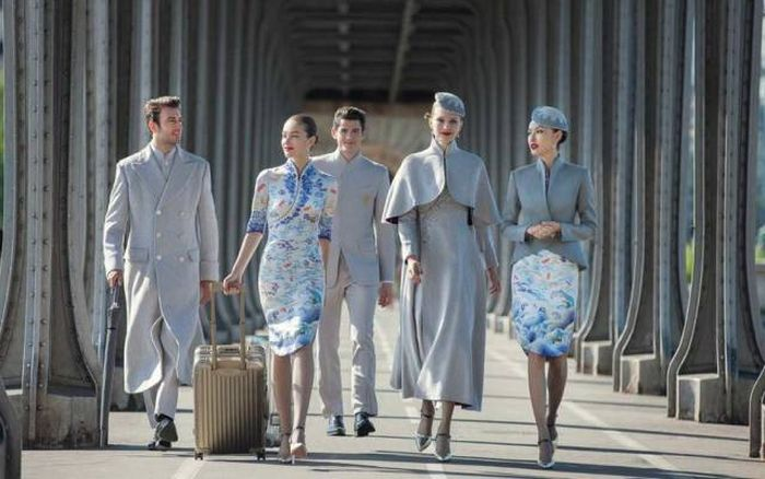 Chinese Airline Uniforms Rock The World Of Fashion (5 pics)