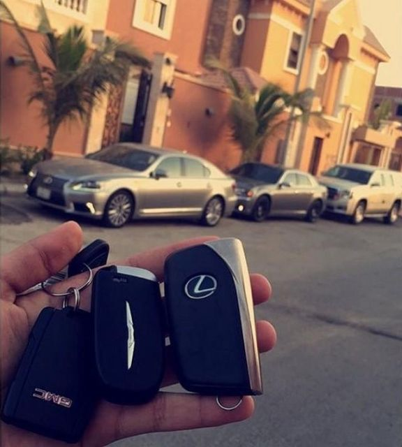 Rich Arabs Love To Spend Money (37 pics)