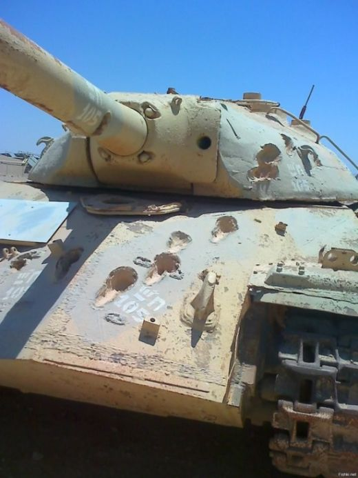 Here's What A Real Heavy Duty Tank Looks Like (2 pics)