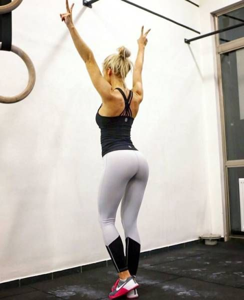 Yoga Pants Are A Truly Miraculous Invention (38 pics)