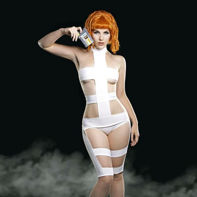 This Fifth Element Cosplay Is Amazing (5 pics)