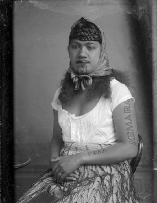 Maori Women With Tattoos On Their Faces (30 pics)