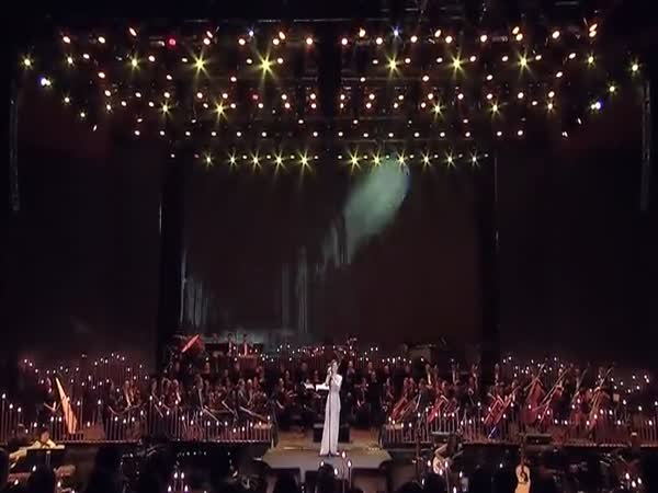 Chinese Singer Shreds The 5th Element Opera Song Without Digital Aid