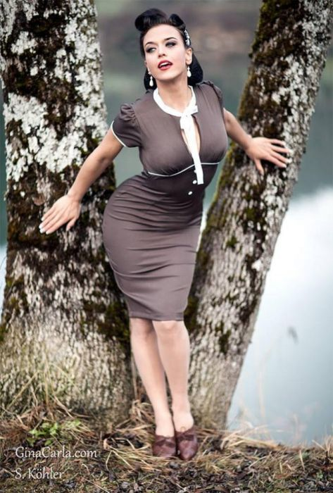 Gina Karla Pin Up Pics That Are Sexy And Stunning (12 pics)