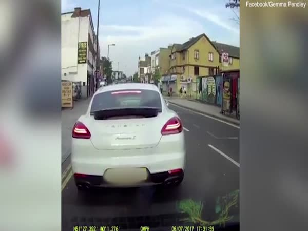 London Moped Gang Rob Porsche Driver At Kniefpoint