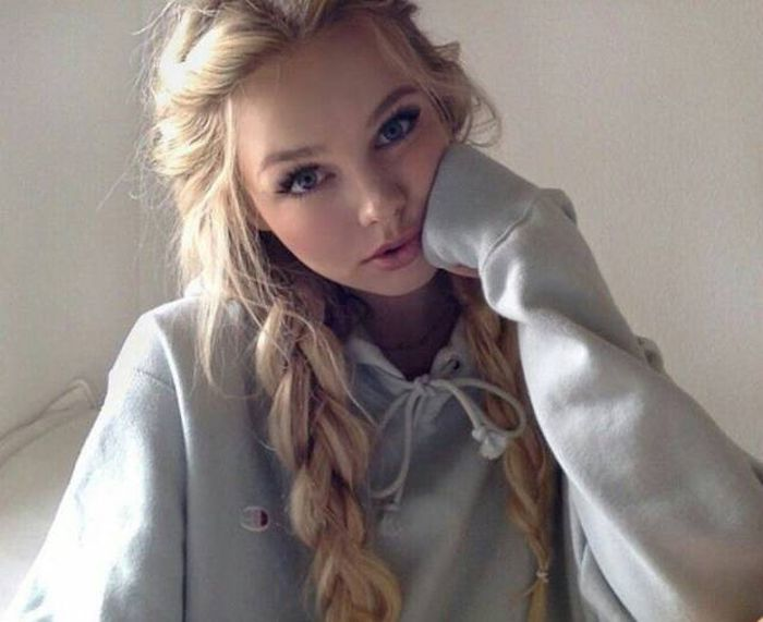 Beautiful Girls Make Everything Better (50 pics)