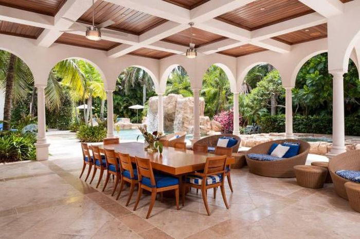 This Enormous Miami Home Has Some Hidden Perks (22 pics)