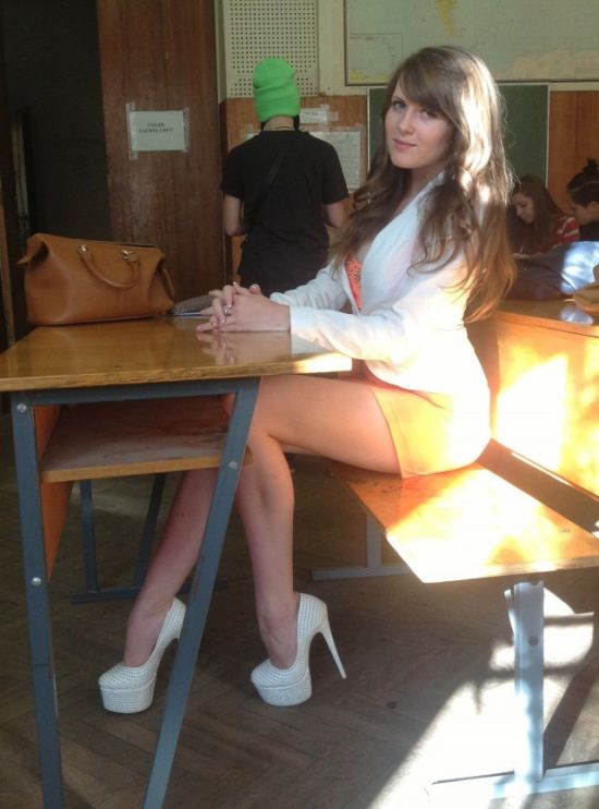 Sexy Girls From Social Networks That Will Steam Up Your Screen (27 pics)