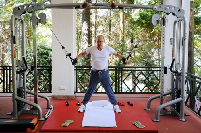 A Look At Vladimir Putin's Crazy Life (28 pics)