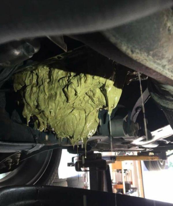 Car Repair Gone Wrong (3 pics)