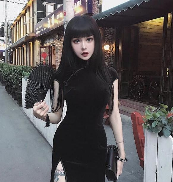 Gothic China Doll Kina Shen Is Pure Eye Candy (19 pics)