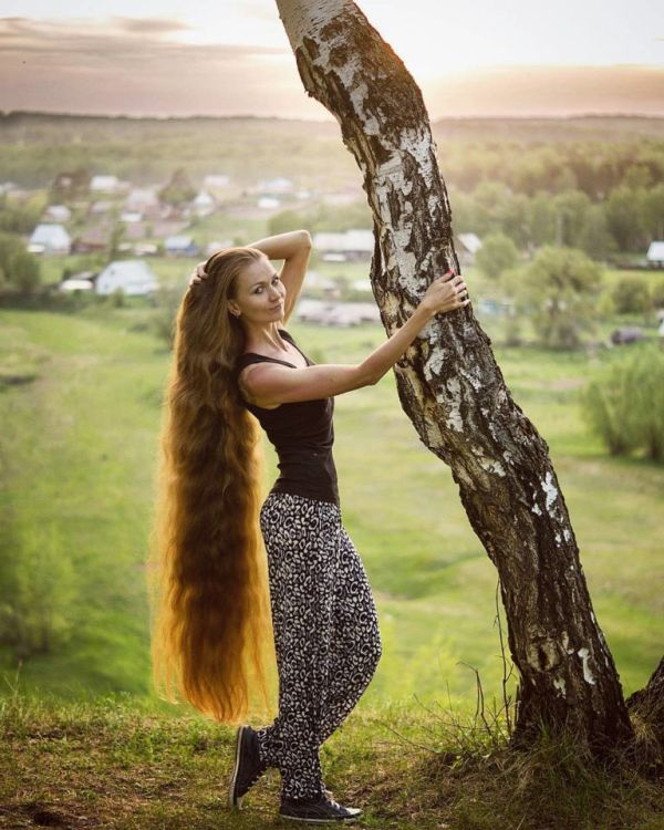 This Russian Woman Is A Real Life Rapunzel (8 pics)