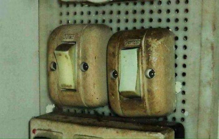 There Are Faces Everywhere (23 pics)