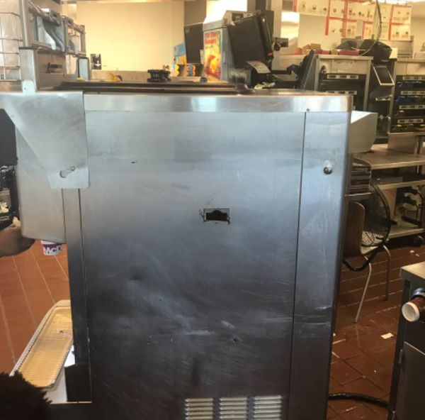 Inside Of A McFlurry Machine (5 pics)