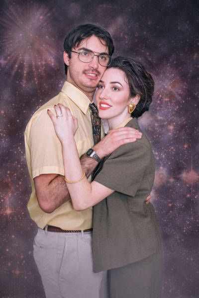 Couple Celebrates Engagement With Hilarious Photoshoot (8 pics)