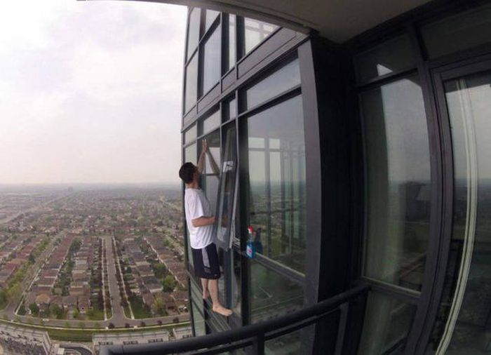 Men Do Some Really Crazy Things Sometimes (56 pics)
