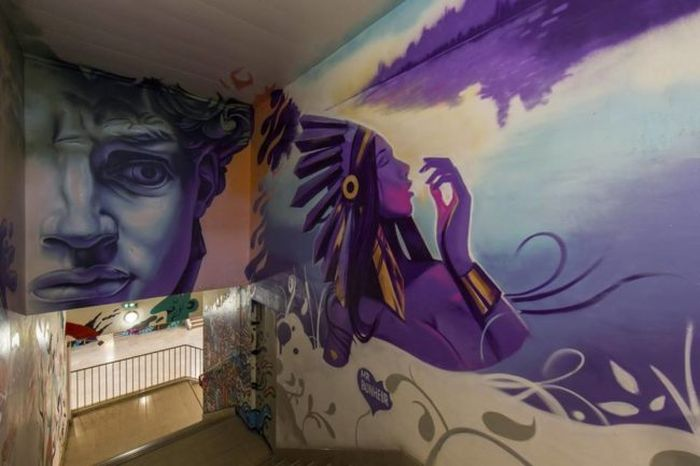 Graffiti Artists Do Something Incredible With College Dorm (10 pics)