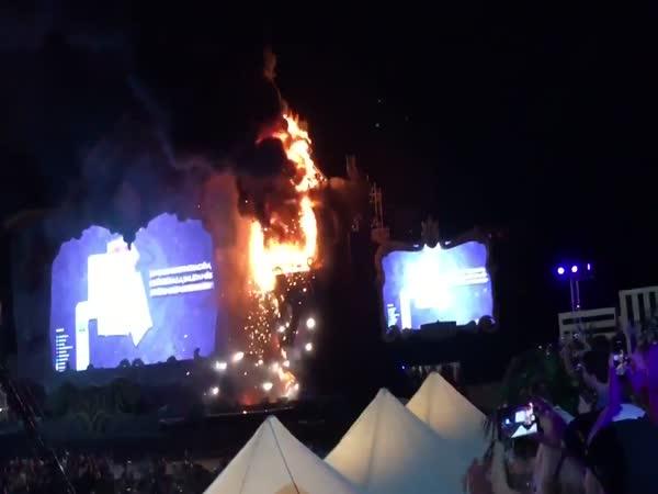 Tomorrowland Barcelona - Spain 2017 / Fire on Mainstage