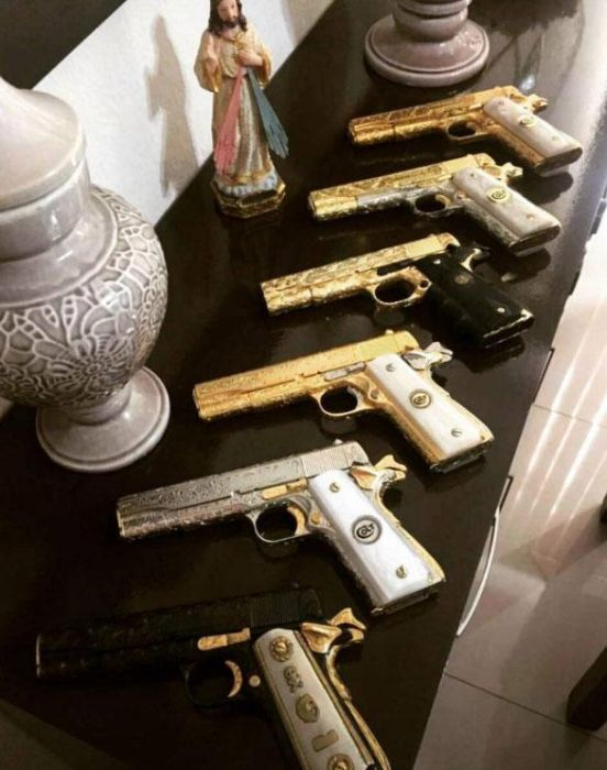 El Chapo's Kingpin Flaunts His Wealth On Instagram (10 pics)