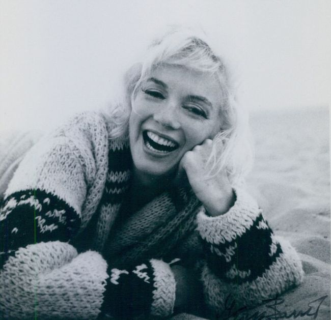 Never Before Seen Pics From Marilyn Monroe's Last Photo Shoot (18 pics)