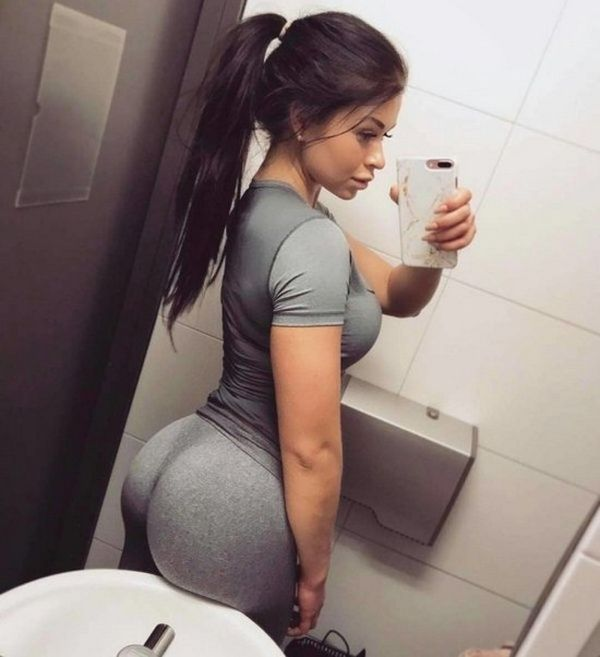 A Few Sexy Reasons To Love Yoga Pants (28 pics)