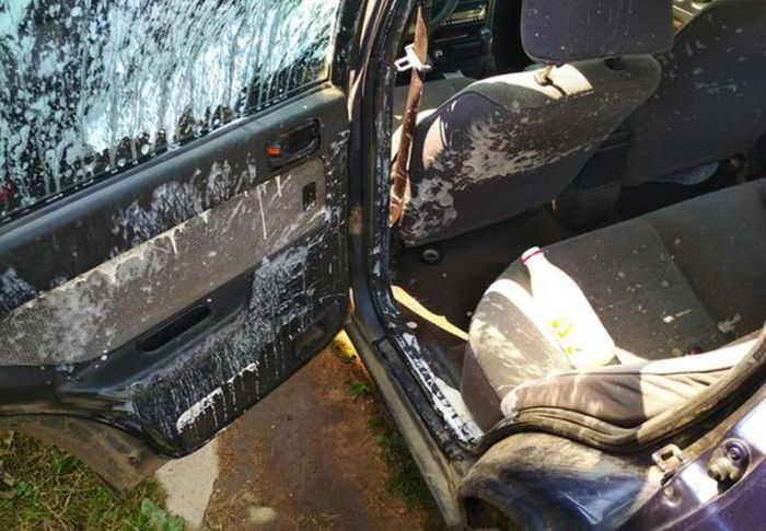 Yogurt Explodes In Hot Car Left In The Sun (2 pics)