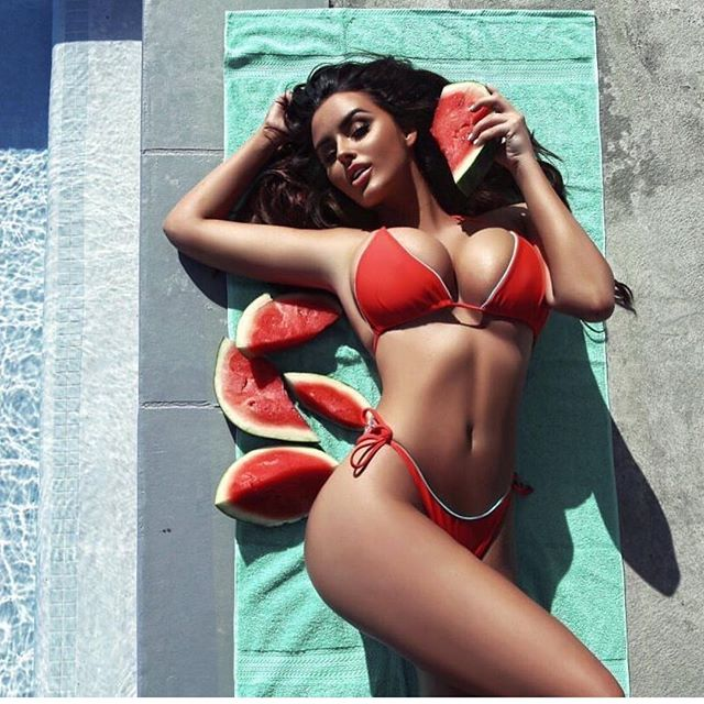 Bikini Model Rakes In Big Money By Posting Her Photos On Instagram (25 pics)