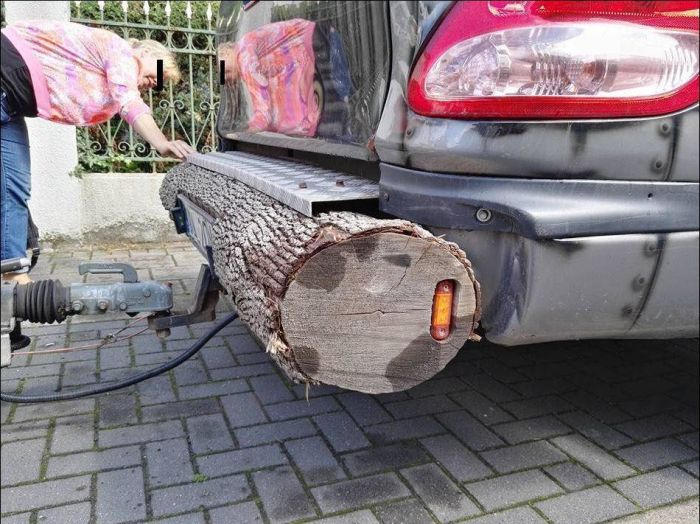 Guy Creates One Of A Kind Custom Bumper (3 pics)