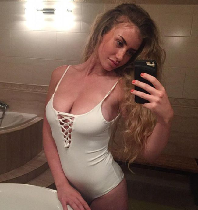 Model Chloe Ayling Shares Story About Her Kidnapping (33 pics)