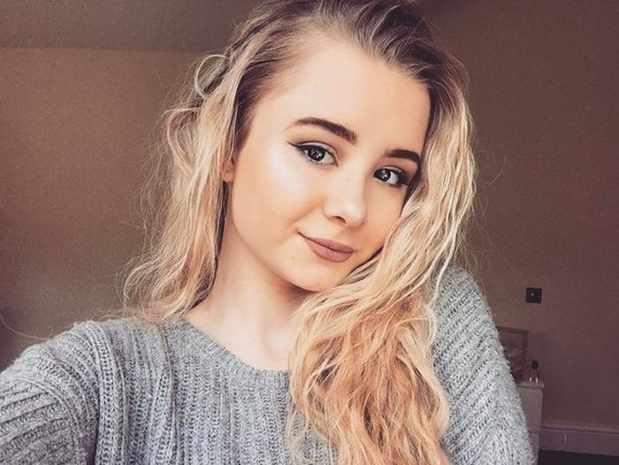 Shireen Baratheon From Game Of Thrones Is Growing Up Fast (3 pics)