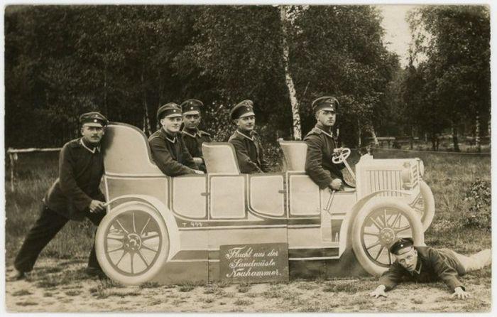 Fun Army Photos Taken Between 1912 And 1945 (24 pics)