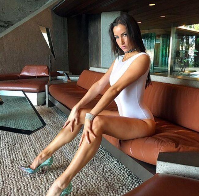 Shelbie Kovach Is Undeniably Sexy (22 pics)