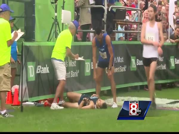 Mainer Helps Mainer Win at Beach to Beacon 10K